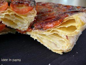 pizza di pasta sfoglia rovesciata