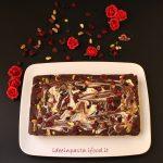Caramel Shortcake variegato con frutti rossi e pistacchi