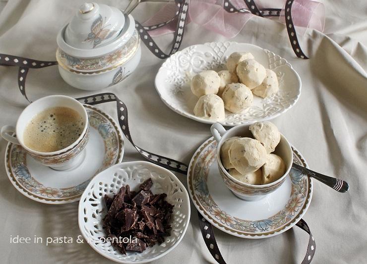 Bonbons di gelato al caffè (senza gelatiera)