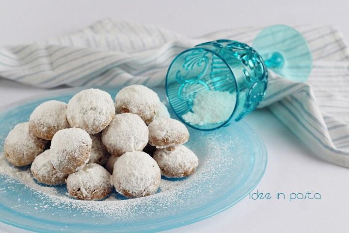 Biscotti palle di neve con noci pecan