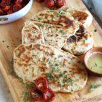 flatbread alla griglia o pane piatto alla piastra
